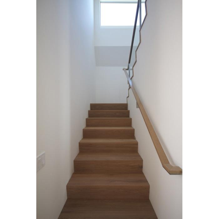 221D-Stair-1