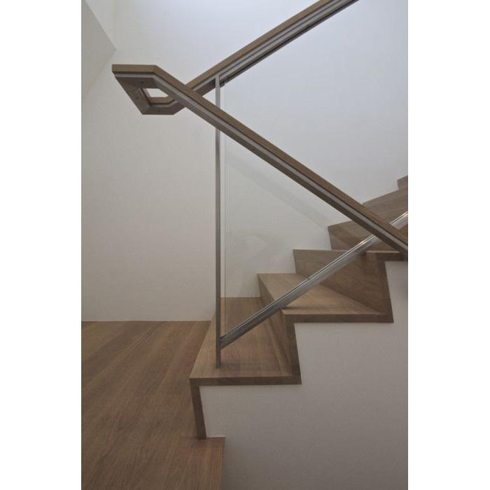 221D-Stair-7